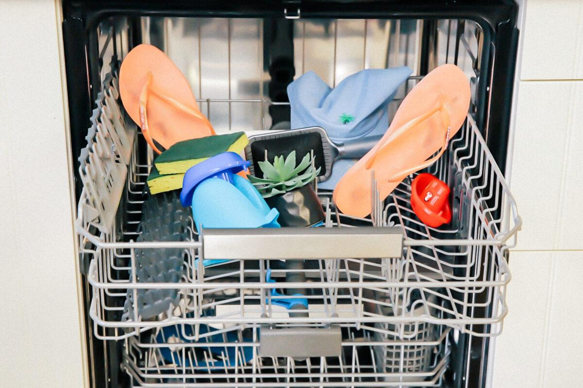 Five Strange Things You Can Clean in the Dishwasher