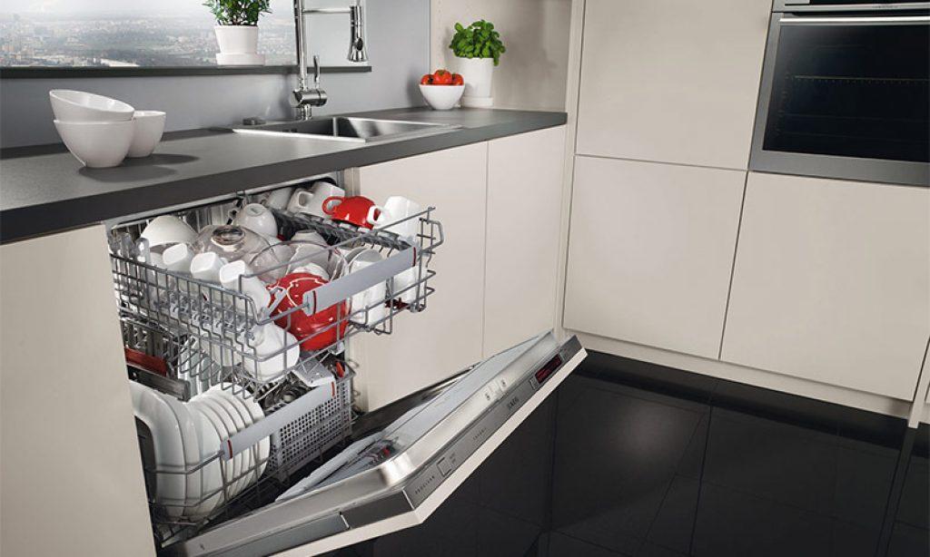 Dishwasher with 60 cm width